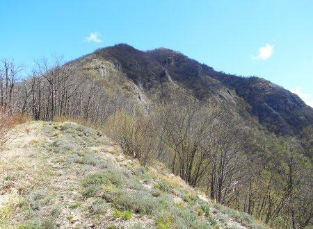 Monte Cravì mt. 990 e Castello della Pietra
