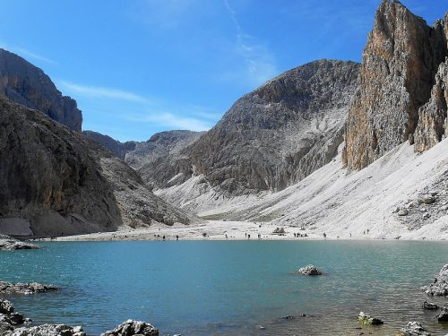 Lago di Antermoia mt. 2501 e Mantel mt. 2566