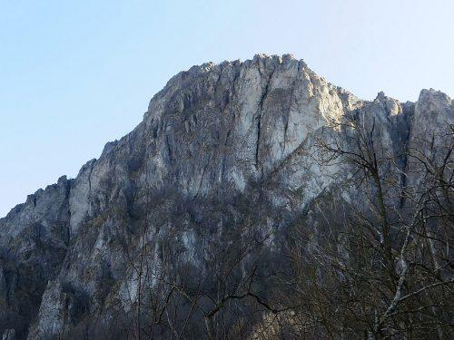 Rocca Barbena mt. 1142 dal versante Sud, anello dal Colle Scravaion
